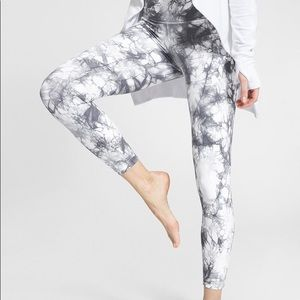 Athleta Tie Dye Salutation Gray Crop Leggings XL